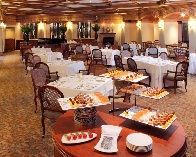 Los Arcos Restaurant ESTELAR La Fontana Hotel