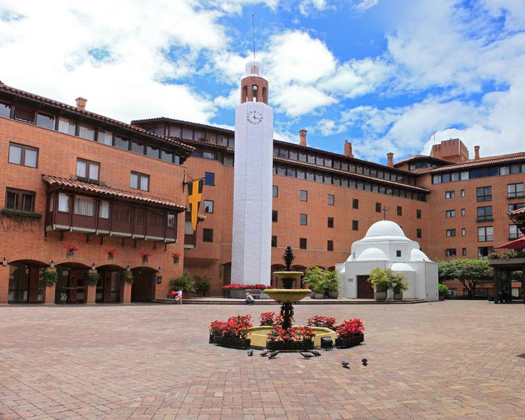 Plaza de banderas ESTELAR La Fontana Hotel