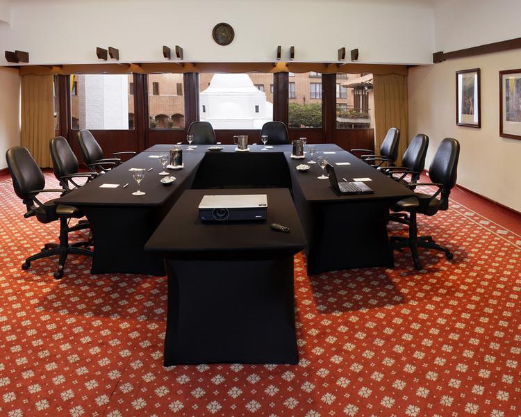 MEETING ROOM ESTELAR La Fontana Hotel